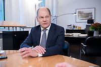 21 NOV 2018, BERLIN/GERMANY:<br /> Olaf Scholz, SPD, Bundesfinanzminister, waehrend einem Interview, in seinem Buero, Bundesministerium der Finanzen<br /> IMAGE: 20181121-01-005<br /> KEYWORDS: Büro