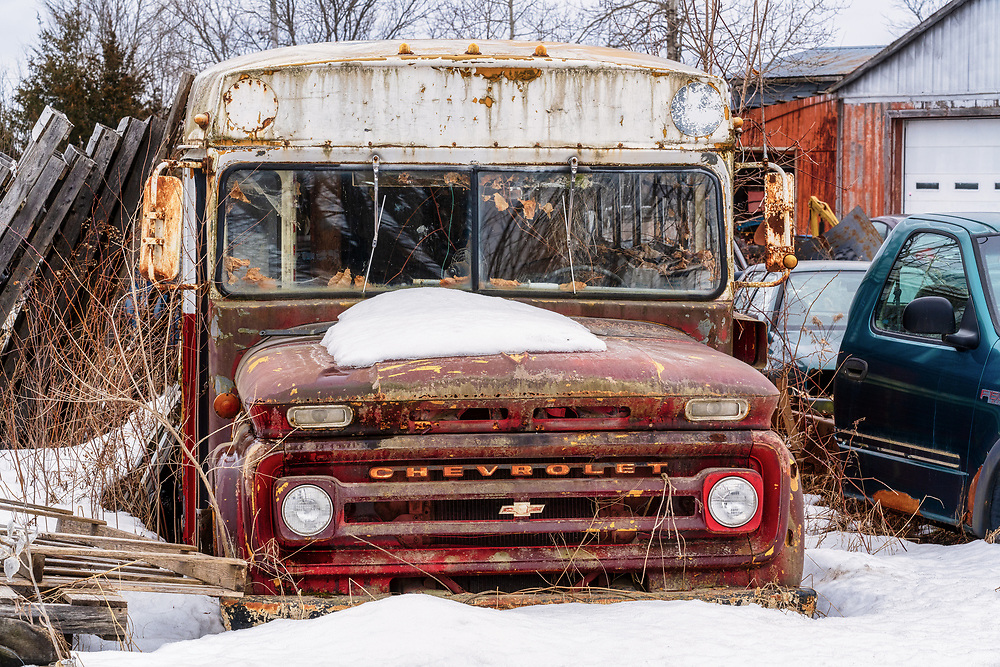 https://Duncan.co/vintage-bus-in-the-snow