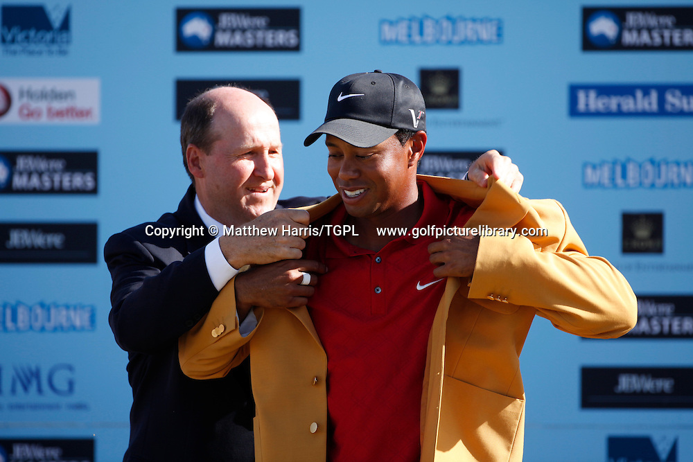 Tiger WOODS (US) wins and receives the Yellow Jacket from the Minister of Victoria during fourth round AUSTRALIAN MASTERS 2009,Kingston Heath,Melbourne,Australia.