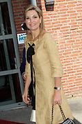 Koningin Máxima woonde het 7500ste door de Stichting Muziek in Huis georganiseerde concert bij, in woonzorgcentrum De Bolder.<br /> <br /> Queen Máxima attended the 7500ste organized by the Music Foundation House concert in nursing home De Bolder.<br /> <br /> op de foto / On the photo:  Aankomst kon ingin Maxima / Arrival Queen Maxima