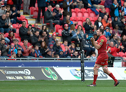 Scarlets' Tadhg Beirne leaves the pitch<br /> <br /> Photographer Simon King/Replay Images<br /> <br /> Guinness PRO14 Round 19 - Scarlets v Glasgow Warriors - Saturday 7th April 2018 - Parc Y Scarlets - Llanelli<br /> <br /> World Copyright © Replay Images . All rights reserved. info@replayimages.co.uk - http://replayimages.co.uk