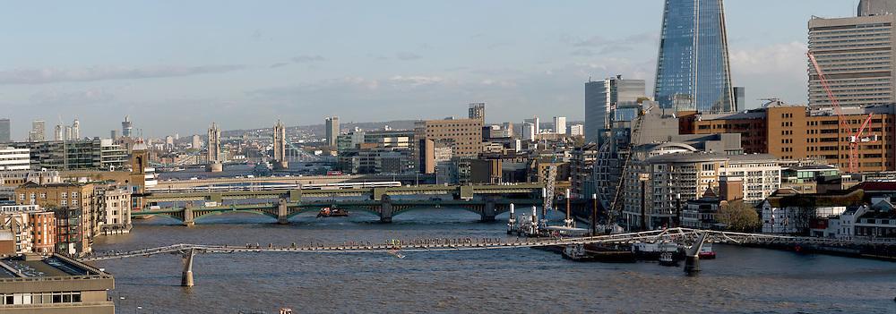 Daylight panoramic viws of London