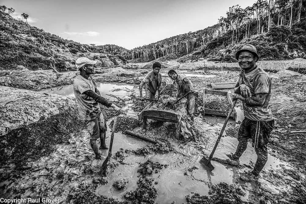 Fea0093883. DT News.Tananarive a mining village near AMBATONDRAZAKA,The Ankeniheny-Zahamena Corridor, Madagascar.Pic Shows miners work through the mud looking for sapphires in the village of Tananarive