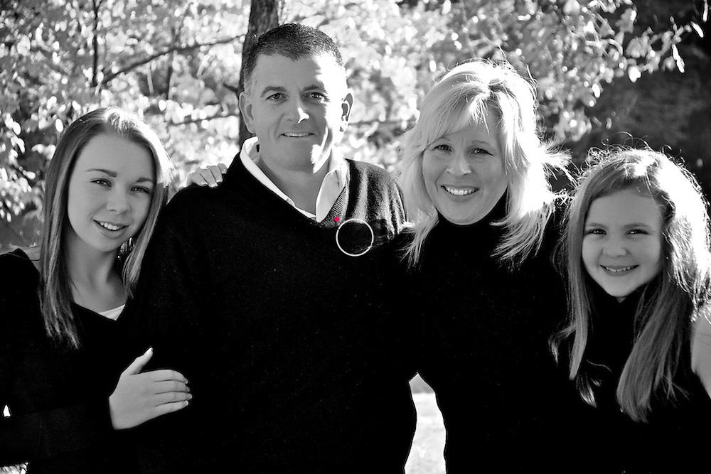 Family Pose SILVER GRAINS