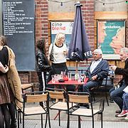 NLD/Amsterdam/20170616 - Uitreiking Nipkowschijf 2017, Jet Bussemaker en partner