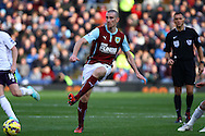 Burnley's David Jones passes the ball. Barclays Premier league match, Burnley v Everton at Turf Moor in Burnley, Lancs on Sunday 26th October 2014.<br /> pic by Chris Stading, Andrew Orchard sports photography.