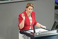 05 MAR 2021, BERLIN/GERMANY:<br /> Franziska Giffey, SPD; Bundesfamilienministerin, waehrend der Debatte zum Internationalen Frauentag; Plenum, Reichstagsgebaeude, Deutscher Bundestag<br /> IMAGE: 20210305-01-021
