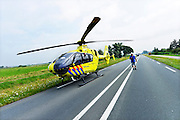 Nederland, ubbergen, 23-7-2016Zwaar ongeluk met twee autos op de weg tussen Nijmegen en Kleef ter hoogte van Ubbergen De traumahelikopter is op de rijbaan geland .Foto: Flip Franssen