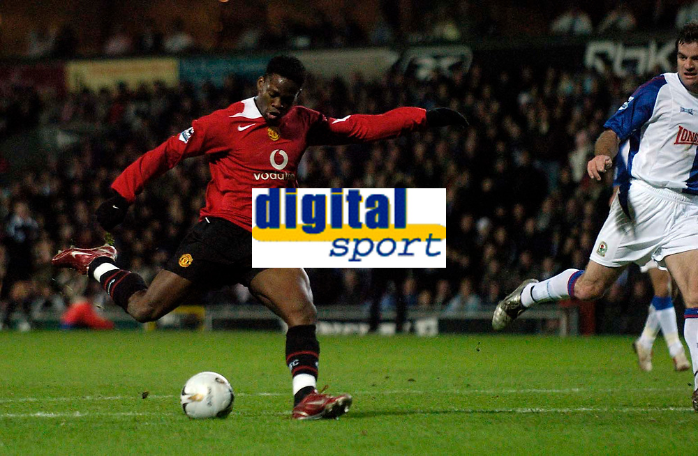 Photo: Jed Wee.<br /> Blackburn Rovers v Manchester United. Carling Cup. Semi Final, 1st Leg. 11/01/2006.<br /> <br /> Manchester United's Louis Saha fires in the opening goal.
