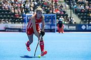 Sarah Haycroft. England v Argentina, Lee Valley Hockey and Tennis Centre, London, England on 10 June 2017. Photo: Simon Parker