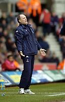 Fotball<br /> Premier League 2004/05<br /> Southampton v Tottenham<br /> 5. mars 2005<br /> Foto: Digitalsport<br /> NORWAY ONLY<br /> Spurs manager Martin Jol bemoans his team's performance