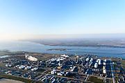 Nederland, Noord-Brabant, Moerdijk, 07-02-2018; Industrieterrein Moerdijk, met zicht op raffinaderij Shell Moerdijk.<br /> Industrial park Moerdijk<br /> <br /> luchtfoto (toeslag op standard tarieven);<br /> aerial photo (additional fee required);<br /> copyright foto/photo Siebe Swart