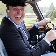 NLD/Haarzuilens/20120425 - Opening tentoonstelling Bruidjes van de Haar, Frans Bauer als chauffeur