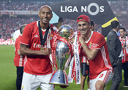 LISBON, May 14, 2017  Benfica's Jonas (front R) and Luisao celebrate winning champion after the Portuguese League football match between SL Benfica and Vitoria Guimaraes SC in Lisbon on May 13, 2017. Benfica won 5-0. (Credit Image: © Zhang Liyun/Xinhua via ZUMA Wire)