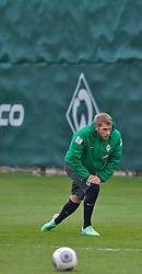 28.03.2014, Trainingsgelaende, Bremen, GER, 1. FBL, Werder Bremen, Training, im Bild Aaron Hunt (Bremen #14) // Aaron Hunt (Bremen #14) during a Trainingssession of German Bundesliga Club SV Werder Bremen at the Trainingsgelaende in Bremen, Germany on 2014/03/28. EXPA Pictures © 2014, PhotoCredit: EXPA/ Andreas Gumz<br /> <br /> *****ATTENTION - OUT of GER*****