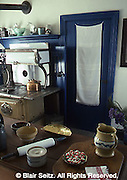 Donegal Mills Plantation kitchen, victorian with othello cookstove