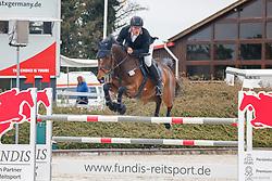 09.1, Youngster-Springprfg. Kl. M** 6+7j. Pferde,Ehlersdorf, Reitanlage Jörg Naeve, 13.05. - 16.05.2021, Jan Philipp Schultz (GER), Vittorio S,