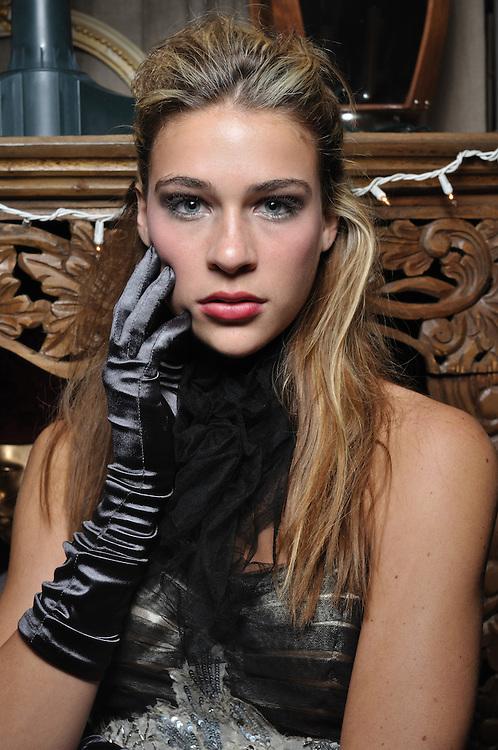 Kimberly Hendrix designs, December, 2010. Brian James Gallery Photography.LINDSAY HEYSER, model.
