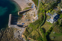 France, Manche (50), Cotentin, Cap de la Hague, Saint-Germain-des-Vaux, Port Racine est le plus petit port de France // France, Normandy, Manche department, Cotentin, Cap de la Hague, Saint-Germain-des-Vaux, Port Racine is the smallest port in France