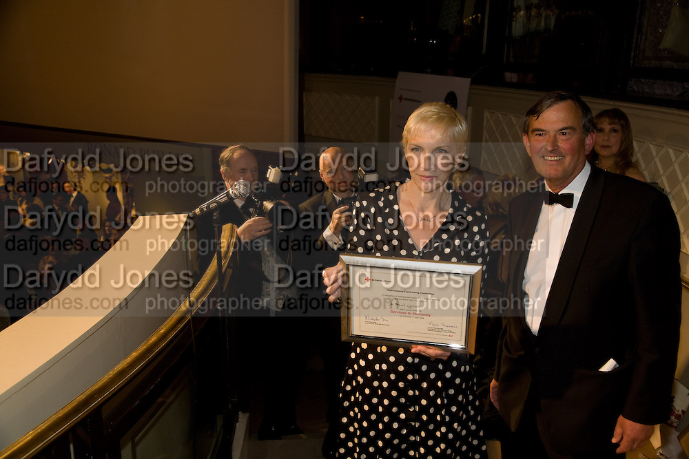 ANNIE LENNOX PRESENTED WITH AN AWARD FOR SERVICES TO HUMANITY BY SIR JAMES COCHRAN. , La Vie En Rose, Royal Charity Gala in aid of the Red Cross. The Grosvenor House Antiques Fair. Grosvenor House. Park Lane. London. 11 June 2008.  *** Local Caption *** -DO NOT ARCHIVE-© Copyright Photograph by Dafydd Jones. 248 Clapham Rd. London SW9 0PZ. Tel 0207 820 0771. www.dafjones.com.