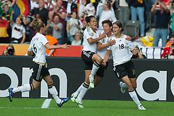 26-06-2011 VOETBAL: FIFA WOMENS WORLDCUP 2011 GERMANY - CANADA: BERLIN<br /> 1:0 durch Merstin Garefrekes (GER #18, Frankfurt) jubel mit Linda Bresonik (GER #10 #10, Duisburg) Celia Okoyino a Mbabi (GER13 #14, Bad Neuenahr) Simone Laudehr (GER #06, Duisburg)<br /> ***NETHERLANDS ONLY***<br /> ©2011-FRH- NPH/Kokenge