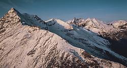 THEMENBILD - mit Schnee bedeckte Berge und der Grossglockner in der Morgensonne. Die Grossglockner Hochalpenstrasse verbindet die beiden Bundeslaender Salzburg und Kaernten und ist als Erlebnisstrasse vorrangig von touristischer Bedeutung, aufgenommen am 11. September 2019 in Fusch a. d. Grossglocknerstrasse, Österreich // snow-covered mountains and the Grossglockner in the morning sun. The Grossglockner High Alpine Road connects the two provinces of Salzburg and Carinthia and is as an adventure road priority of tourist interest, Fusch a. d. Grossglocknerstrasse, Austria on 2019/09/11. EXPA Pictures © 2019, PhotoCredit: EXPA/ JFK