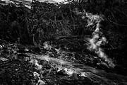 Vista de lo que fue la carretera entre las comunidades de Escuintla y Alotenango el día 07 de junio de 2018. Hasta el momento la erupción del volcán ha dejado más de 100 muertos y 300 desaparecidos, la actividad volcánica no ha cesado y las condiciones de tormenta han impedido que la labor de búsqueda por parte de las familias continúe.