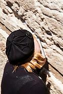 Jerusalem: Inside the Old City.  The Western Wall       Israele, Gerusalemme: Il Muro del Pianto.