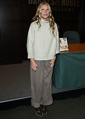 Gwyneth Paltrow Book Signing For 'The Clean Plate: Eat, Reset, Heal' - 15 Jan 2019