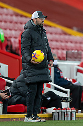 LIVERPOOL, ENGLAND - Sunday, December 27, 2020: Liverpool's manager Jürgen Klopp with the ball during the FA Premier League match between Liverpool FC and West Bromwich Albion FC at Anfield. The game ended in a 1-1 draw. (Pic by David Rawcliffe/Propaganda)