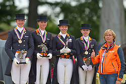 Prize giving Young Riders team competition :<br /> 3. Netherlands : Melissa Tychon, Angela Krooswijk, Daniëlle Houtvast, Michelle Van Lanen, chef d'equipe Tinneke Bartles<br /> European Championship Dressage Young Riders - Broholm 2011