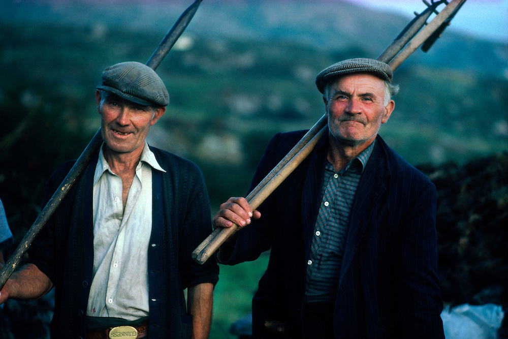 Irish farmers, Caherdaniel, Ring of Kerry, County Kerry, Ireland