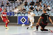 Futsal: 1. Bundesliga, HSV-Panthers - Stuttgart Futsal Club, Hamburg, 11.09.2021<br /> Ian  Prescott Claus (Panthers, m.) - Miodrag Aksentijevic (Stuttgart)<br /> © Torsten Helmke