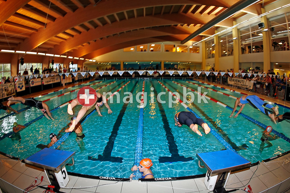 Overview of the start in the 3rd women's 50m freestyle heat on day one at the Swiss Short-Course Swimming Championships at the Centro Sportivo Atlantide in Savosa, Switzerland, Friday, Nov. 24, 2006. (Photo by Patrick B. Kraemer / MAGICPBK)