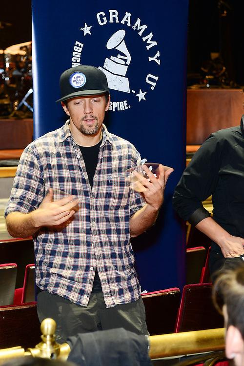 PHILADELPHIA, PA - OCTOBER 12:  Jason Mraz talks with students during Q&A at GRAMMY U SoundCheck With Jason Mraz & Raining Jane at Academy of Music on October 12, 2014 in Philadelphia, Pennsylvania.  (Photo by Lisa Lake/WireImage for NARAS)