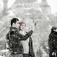 Istanbul, Turkey 18 February 2008<br /> People enjoy the snow in front of the Blue Mosque. <br /> Photo: Ezequiel Scagnetti