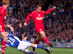 LIVERPOOL, ENGLAND - Saturday, September 15, 2001: Liverpool's Vladimir Smicer is tackled by Everton's Tony Hibbert during the Premiership match at Goodison Park. (Pic by David Rawcliffe/Propaganda)