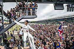 July 16, 2017 - Silverstone, Great Britain - Motorsports: FIA Formula One World Championship 2017, Grand Prix of Great Britain, .#44 Lewis Hamilton (GBR, Mercedes AMG Petronas F1 Team) (Credit Image: © Hoch Zwei via ZUMA Wire)