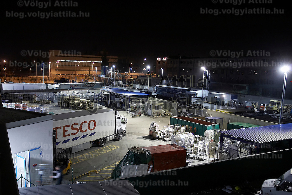 Preparations to the great opening of the Tesco store in Central Europe's largest shopping center Arena Plaza in Budapest, Hungary. Wednesday, 14. November 2007. ATTILA VOLGYI