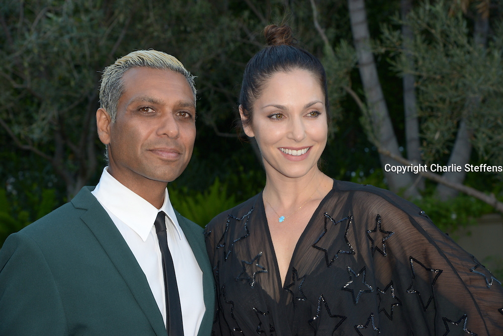 Tony Kanal, left, and Erin Reese arrive at the Mercy For Animals' Annual Hidden Heroes Gala on September 10, 2016 at Vibiana, Los Angeles, California (Photo: Charlie Steffens/Gnarlyfotos)