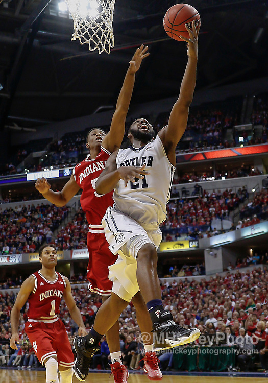 INDIANAPOLIS, IN - DECEMBER  20: Roosevelt Jones #21 of the Butler Bulldogs shoots the ball as Troy Williams #5 of the Indiana Hoosiers defends from behind at Bankers Life Fieldhouse on December 20, 2014 in Indianapolis, Indiana. Indiana defeated Butler 82-73. (Photo by Michael Hickey/Getty Images) *** Local Caption *** Roosevelt Jones; Troy Williams