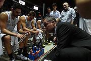 DESCRIZIONE : Bologna Lega A 2015-16 Obiettivo Lavoro Bologna Pasta Reggia Caserta<br /> GIOCATORE : Sandro Dell'Agnello<br /> CATEGORIA : allenatore coach time out<br /> SQUADRA : Pasta Reggia Caserta<br /> EVENTO : Campionato Lega A 2015-2016<br /> GARA : Obiettivo Lavoro Bologna Pasta Reggia Caserta<br /> DATA : 02/11/2015<br /> SPORT : Pallacanestro <br /> AUTORE : Agenzia Ciamillo-Castoria/G.Ciamillo<br /> Galleria : Lega Basket A 2015-2016<br /> Fotonotizia : Bologna Lega A 2015-16 Obiettivo Lavoro Bologna Pasta Reggia Caserta