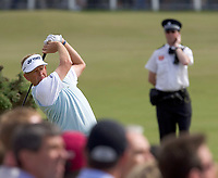 Golf<br /> Foto: SBI/Digitalsport<br /> NORWAY ONLY<br /> <br /> 2005 Open Championship, St. Andrews.<br /> Saturday 16/07/2005<br /> <br /> Colin Montgomerie drives at 2nd