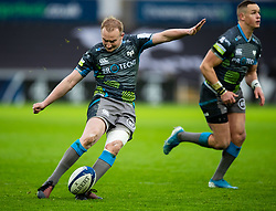 Luke Price of Ospreys kicks a penalty<br /> <br /> Photographer Simon King/Replay Images<br /> <br /> European Rugby Champions Cup Round 5 - Ospreys v Saracens - Saturday 11th January 2020 - Liberty Stadium - Swansea<br /> <br /> World Copyright © Replay Images . All rights reserved. info@replayimages.co.uk - http://replayimages.co.uk