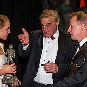 NLD/Amsterdam/20161221 - NOC*NSF Sportgala 2016, Sanne Wevers en haar vader Vincent, Sportvrouw en Sportcoach van het Jaar
