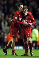 Fotball<br /> Premier League 2004/05<br /> Liverpool v Arsenal<br /> 28. november 2004<br /> Foto: Digitalsport<br /> NORWAY ONLY<br /> Dietmarr Hamann congratulates Neil Mellor at full time