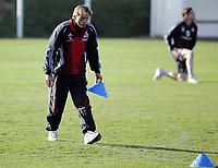 Fotball / Football<br /> Tyskland - Germany<br /> FC Köln training at La Manga - Spain<br /> 05-14.01.2007<br /> Foto: Morten Olsen, Digitalsport<br /> <br /> GERMANY OUT<br /> <br /> Christoph Daum  planning the training with cones
