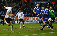 Photo: Steve Bond/Sportsbeat Images.<br />Leicester City v West Bromwich Albion. Coca Cola Championship. 08/12/2007. Zoltan Gera (L) heads West Brom into the lead