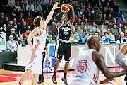 DESCRIZIONE : Varese Lega A 2013-14 Cimberio Varese Granarolo Virtus Bologna<br /> GIOCATORE : Dwight Hardy<br /> CATEGORIA : Tiro Three Points<br /> SQUADRA : Granarolo Virtus Bologna<br /> EVENTO : Campionato Lega A 2013-2014<br /> GARA : Cimberio Varese Granarolo Virtus Bologna<br /> DATA : 26/12/2013<br /> SPORT : Pallacanestro <br /> AUTORE : Agenzia Ciamillo-Castoria/G.Cottini<br /> Galleria : Lega Basket A 2013-2014  <br /> Fotonotizia : Varese Lega A 2013-14 Cimberio Varese Granarolo Virtus Bologna<br /> Predefinita :