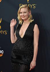 Kirsten Dunst bei der Verleihung der 68. Primetime Emmy Awards in Los Angeles / 180916<br /> <br /> *** 68th Primetime Emmy Awards in Los Angeles, California on September 18th, 2016***